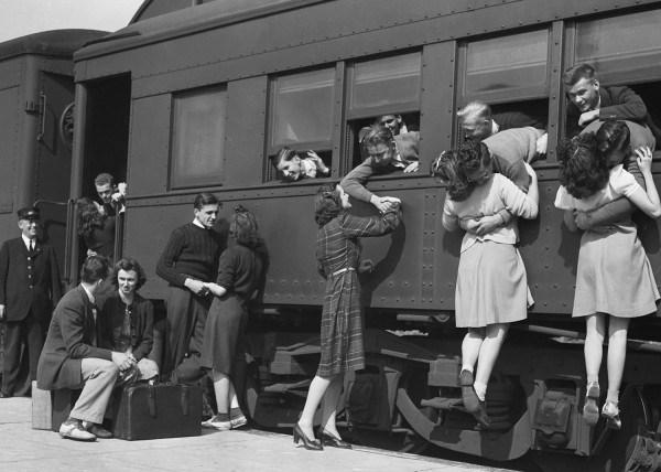 1940's, women hugging their love through train windows, 2nd world war