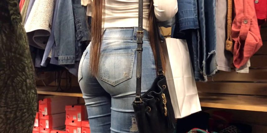 Beautiful candid shots of women butts in jeans